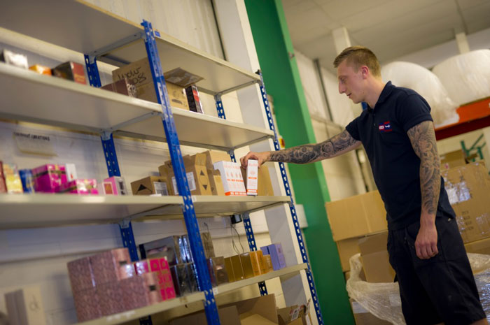 pick and pack fulfilment process in the uk